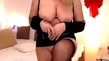 blonde busty mommy strip dance and show her wet pussy