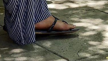 Candid ebony feet - https://bit.ly/2NxPlKt