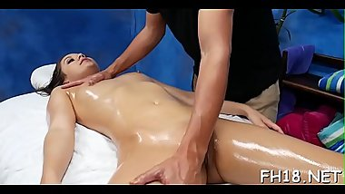 Sexy bombshell supplicate her therapist to drill her