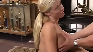 Cute non-professional honey gets licked and fingered then gives head