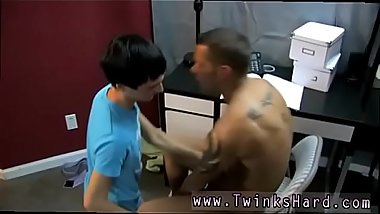 Gay sex ass boys After these 2 gargle each other'_s dicks, Noah arches