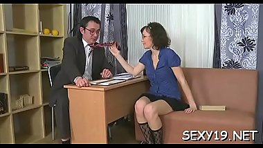 Beauty is offering her cunt for teacher&#039_s lusty joy