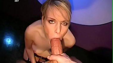 Breathtaking beauty gets rough vagina drilling with cumshot