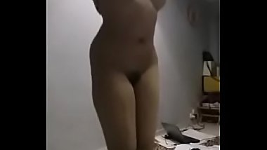 Perfect body Indian babe nude cam