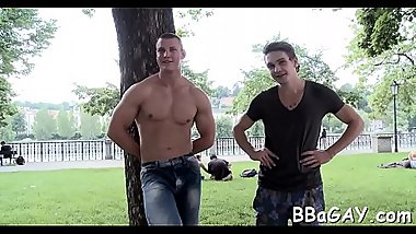 Pretty flower guy is sucking gay stud'_s schlong hungrily