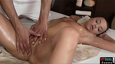 Massage babe gets fingered and slammed