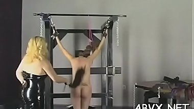Young honey likes the rough play on her amateur pussy
