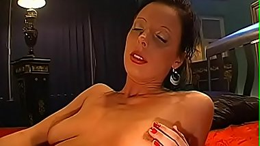 Lascivious lesbians are delighting every other with pussy lickings