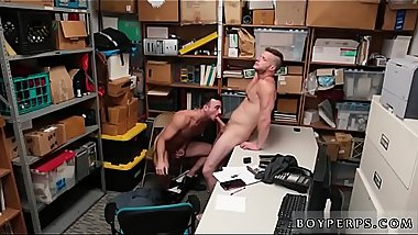 "Bareback boys tube gay porn 29 yr old Caucasian male, 5'_10"", was"