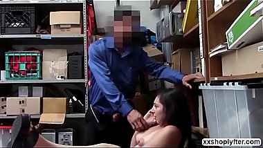 Luna Leve gets her trimmed pussy fuck