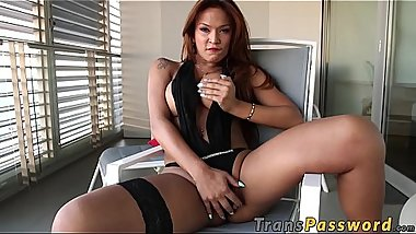 Tranny full of sensuality teases with her big cock and booty