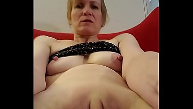 mommy is horny and alone watch me cum