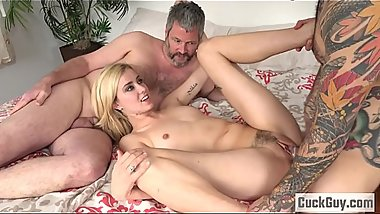Hailey Reed makes her boyfriend a cuckold